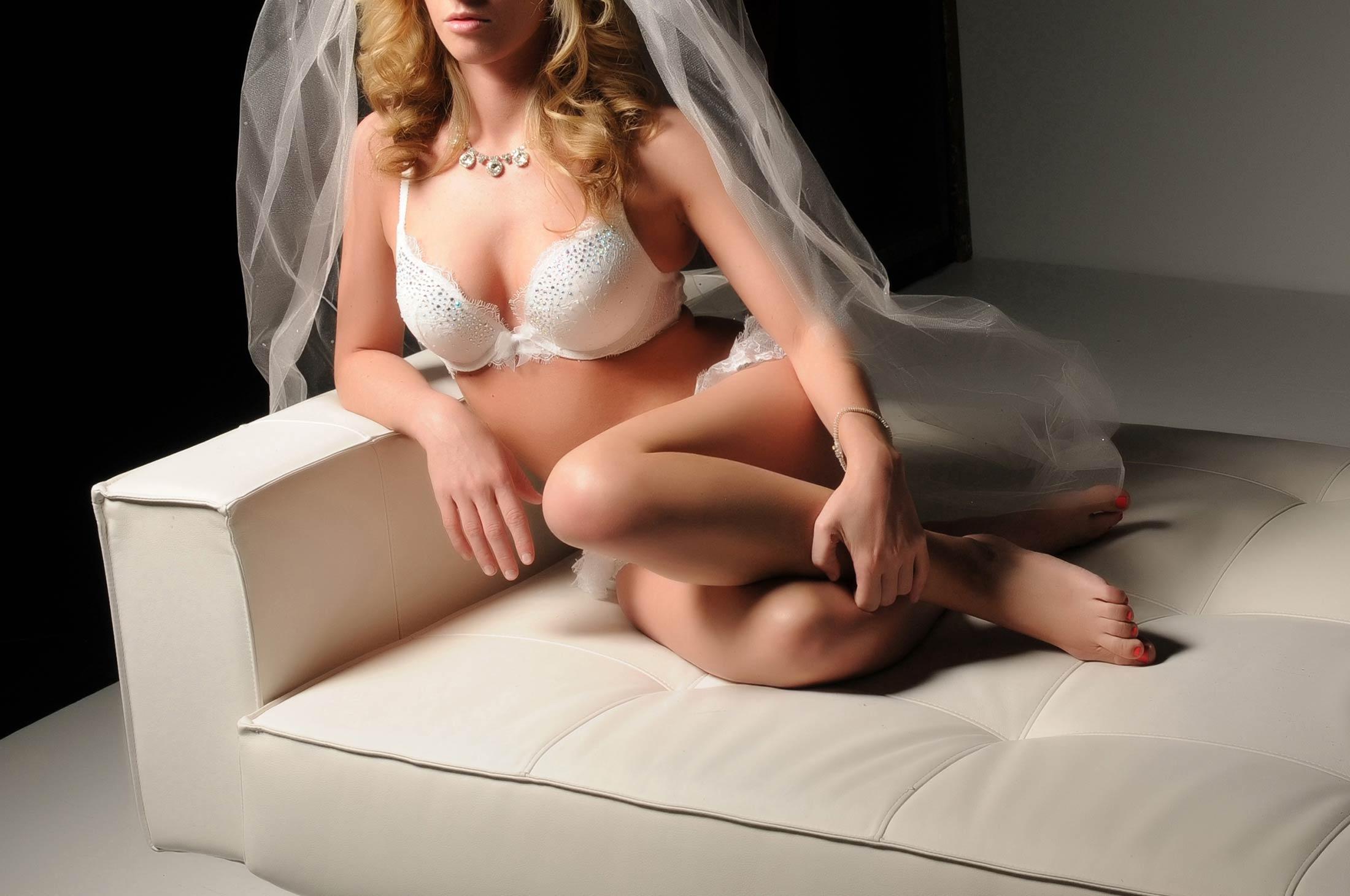 bridal-sitting-boudior